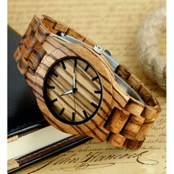 Ceas de mână din lemn cu nervuri maro. TIEDAN