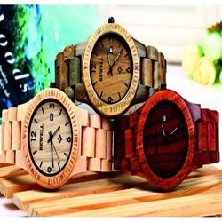 Ceas de mână din lemn de nuc cu dungi maro. Bewell