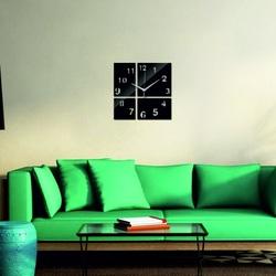 Moderné nástenné hodiny štvorček farba čierna .