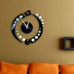 Nalepovacie hodiny na stenu gulička , farba čierna .