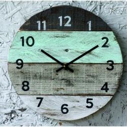 Drevené hodiny kruh. Si môj čas .