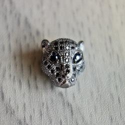 Leopard metalic cu zirconi - întuneric