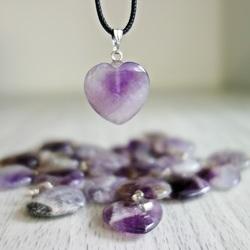 Pandantiv din inimă în formă de minerale - ametist chevron - 2 cm