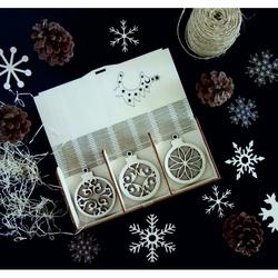 Set de ornamente din lemn, 18 bucăți