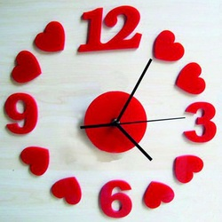 Ceas de perete Inima rosie, 30x30 cm