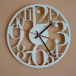 Ceasul de perete de pe placajul din lemn este timpul pentru a schimba Filp
