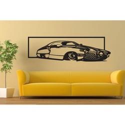 Poză exclusivă pe peretele unei mașini din placaj istoric